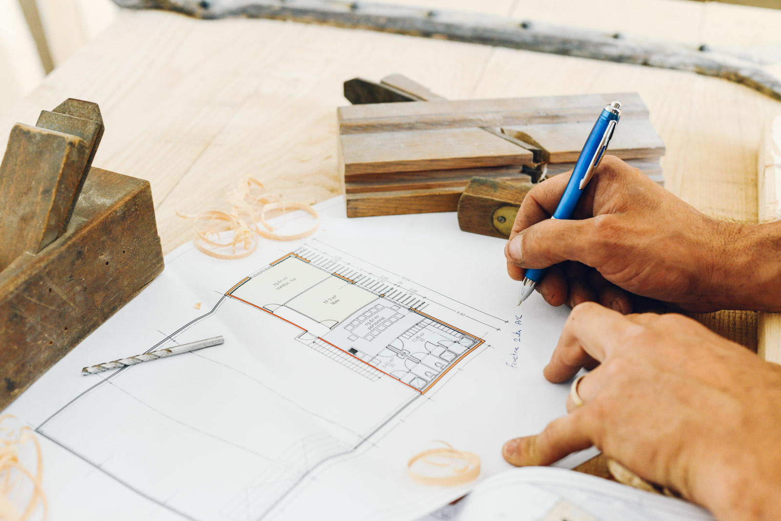 MG Alu Pvc, menuiserie bois, aluminium et pvc sur le Gard