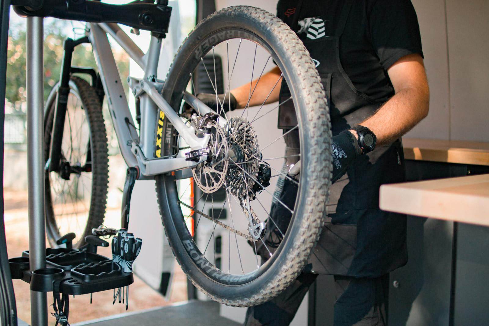 Bear Bike : atelier mobile de réparation de vélos à domicile, coaching, encadrement de groupes