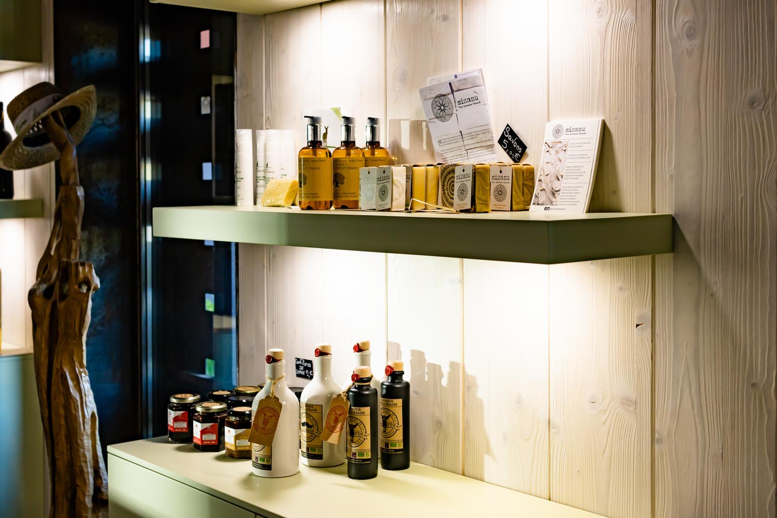 Cosmétiques artisanaux et produits du terroir commercialisé au moulin du Mas Palat, Gignac