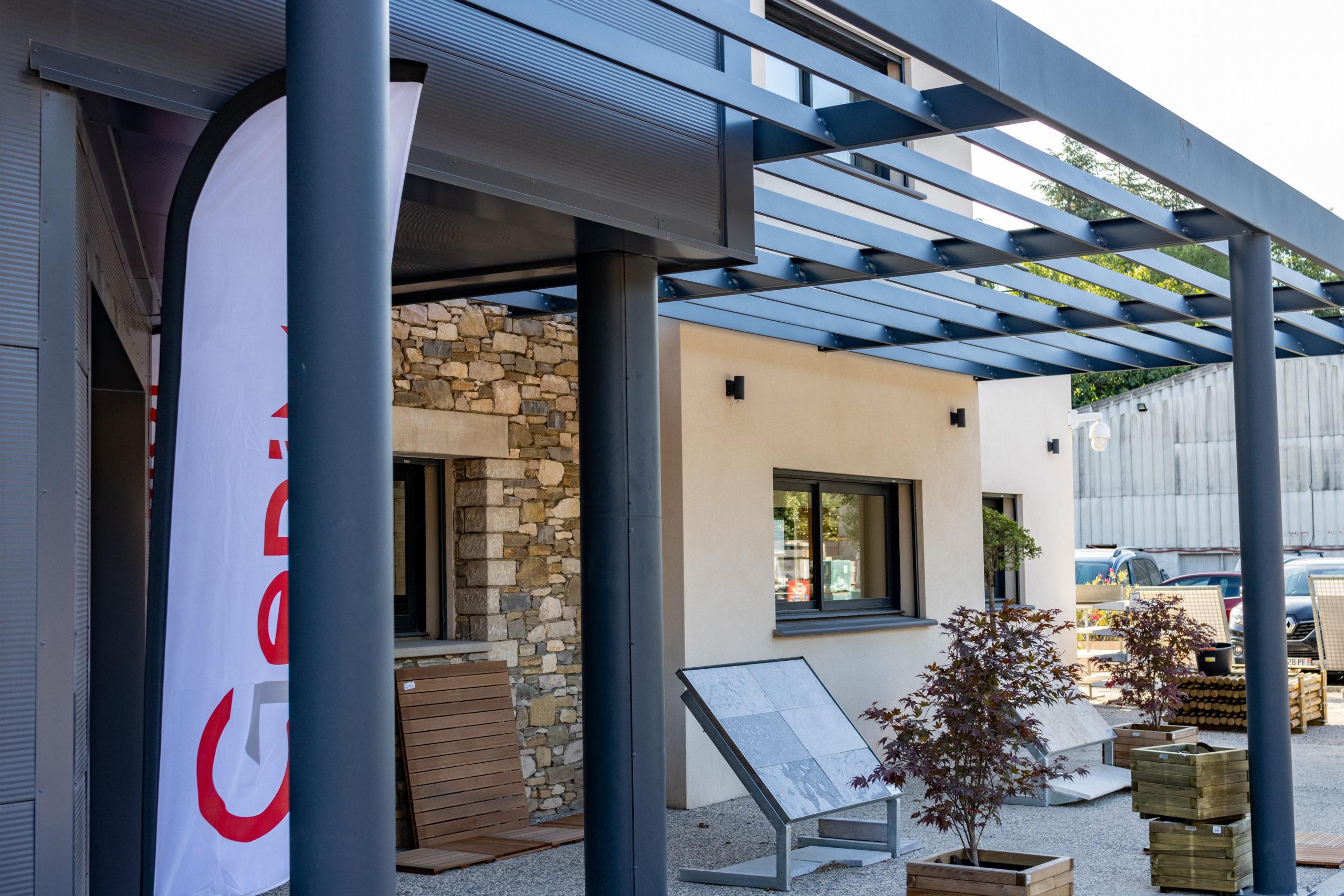 PGSL architecture : réalisation d'un magasin de vente de matériaux